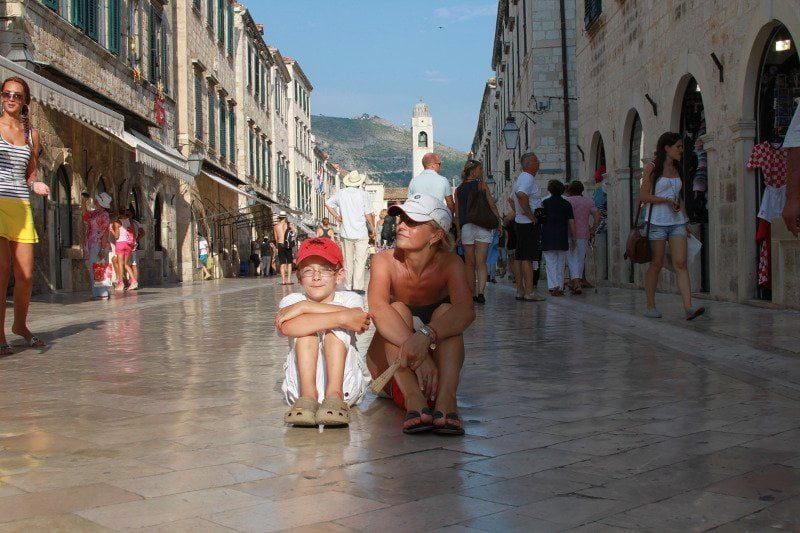 Dorota i Igor na głównym deptaku w Dubrovniku