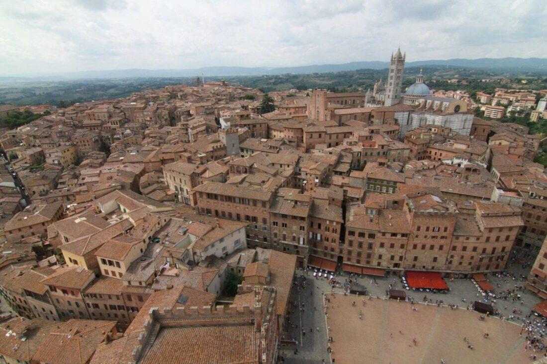 widok na stare miasto w Siennie