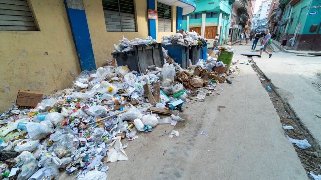 śmieci w Hawanie