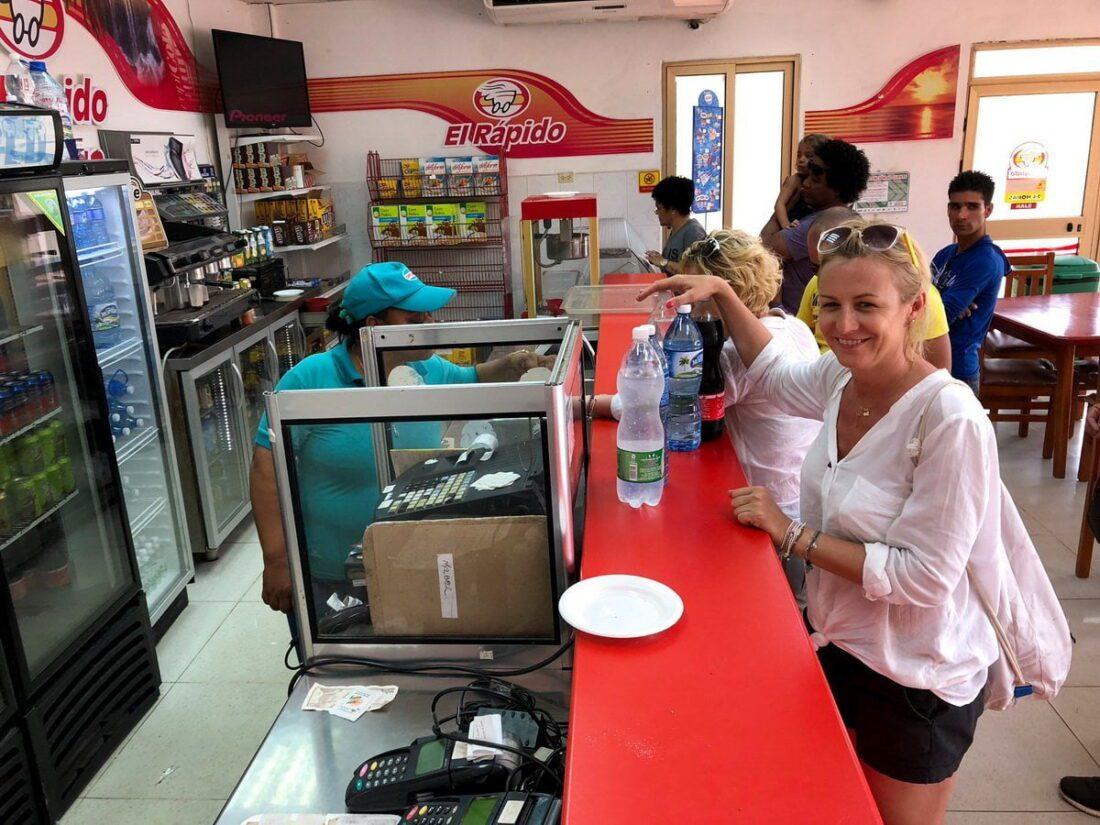 stacja benzynowa na Kubie