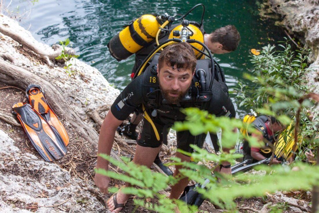 nurkowie pod wodą na Kubie