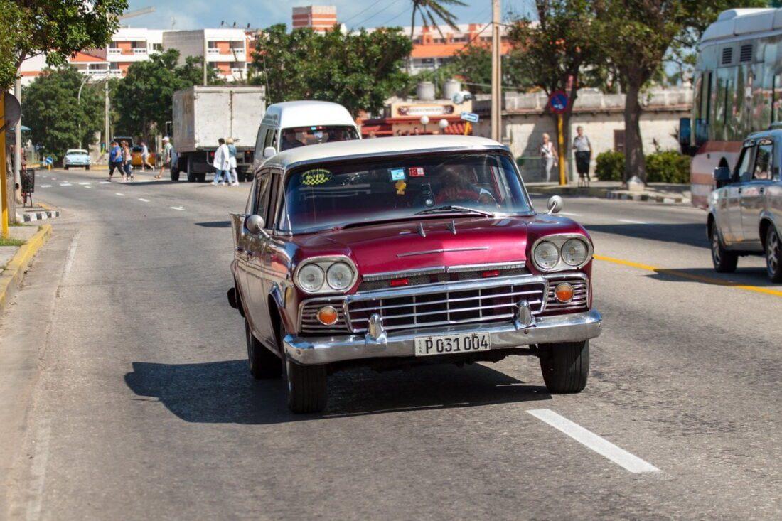 stare samochody w Hawanie