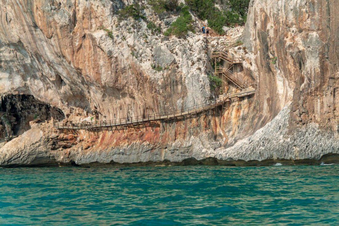 sardynia - groty i klify orosei