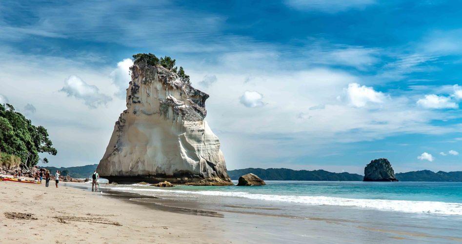 cathedral cove - nowa zelandia