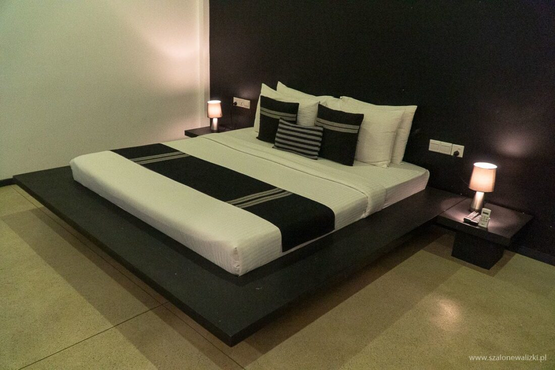 ariya tissa guest house