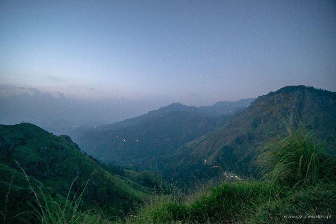 little adams peak - widok na góry przed wschodem słońca