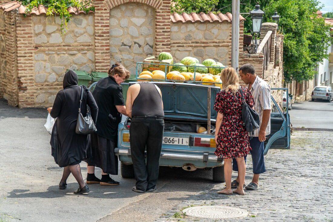 sprzedać owoców z samochodu w sighnagi