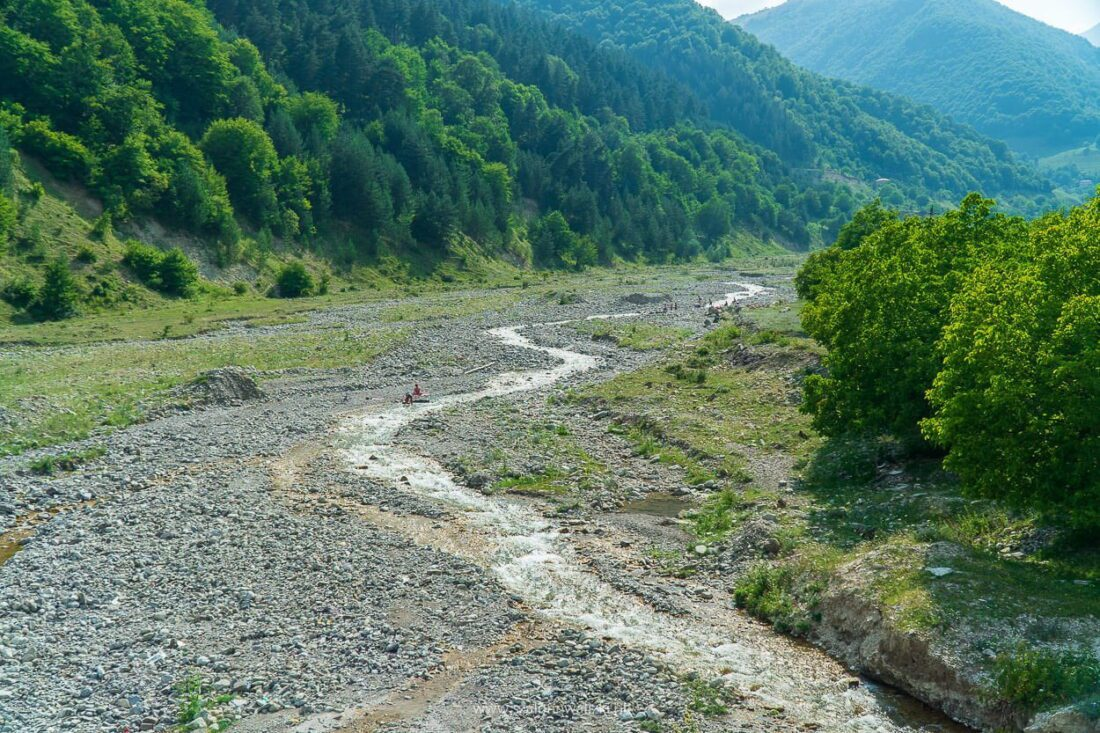 gruzińska droga wojenna a polacy